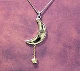 月と星のペンダント
