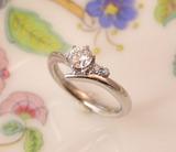 ブルーダイヤの婚約指輪