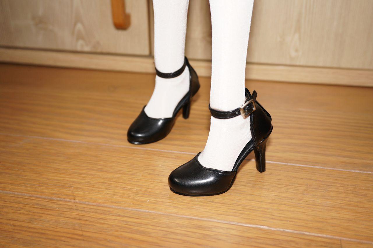 春香「でも、この靴じゃウェイトレスさんみたいですね 」