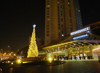 ルネッサンス揚子江ホテルの聖誕節(シェンタンジェ)ツリー