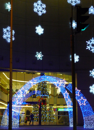 虹橋万都ビルの聖誕節(シェンタンジェ)ツリー