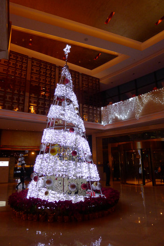 スイスグランドホテル上海の聖誕節(シェンタンジェ)ツリー