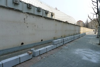 シャンハイの日常にある危険・虹橋シェラトン前のビル工事