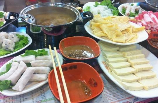 久しぶりに一人火鍋呷哺呷哺(シャブシャブ)へ/上海レストラン事情