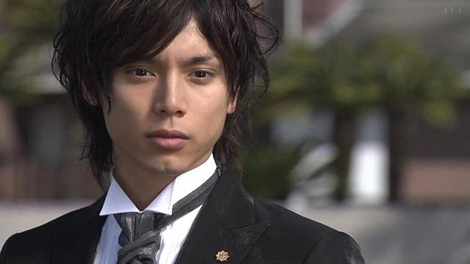 【画像】水嶋ヒロ、9年ぶり日本ドラマ出演を振り返る!モニターに映る自分にビックリ