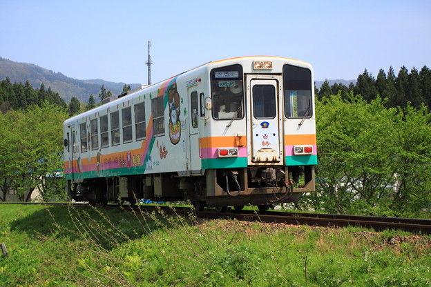 【山形】畑に急病人「救助に向かいます」 快速列車止めた運転士