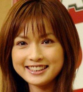 """【悲惨】長谷川京子、""""Cカップでも渓谷が深い""""写真に「先っちょ見えちゃう」の声"""