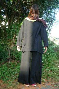 洗練されたアジアンファッション KAYAのフレアパンツ