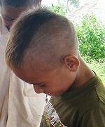 ベッカム刈りの男の子