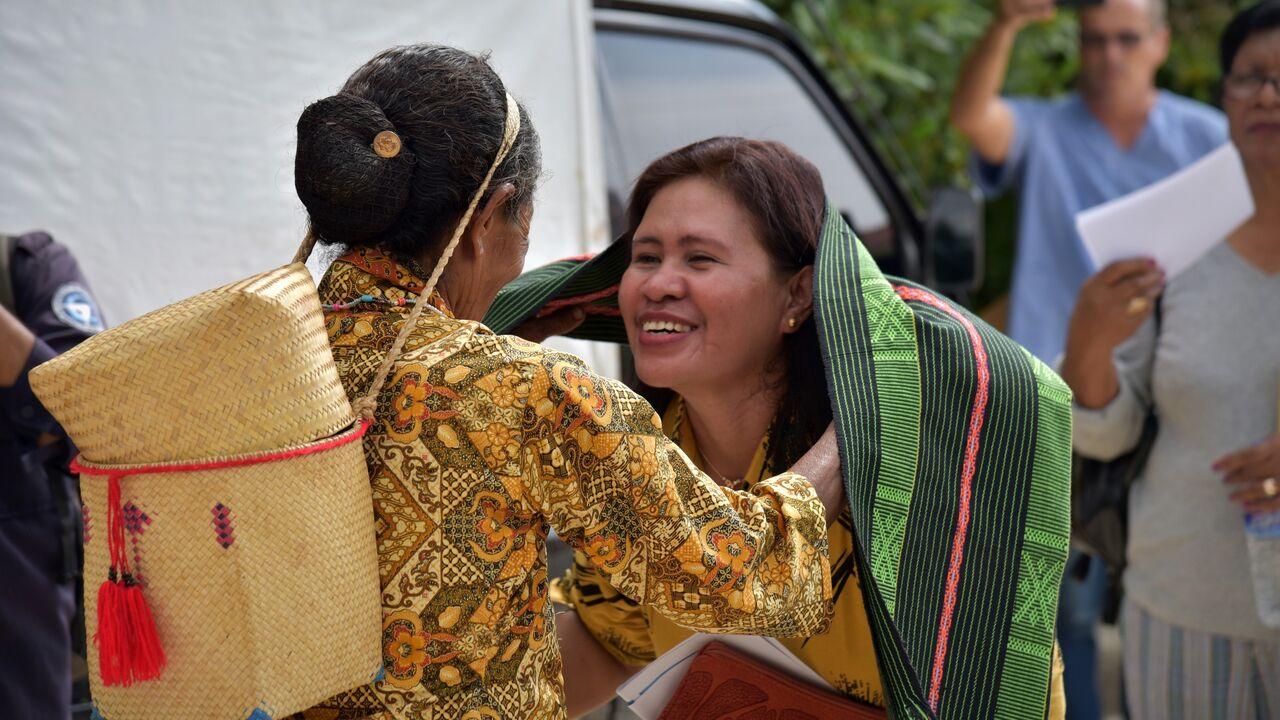 タイスで歓迎を受ける県保健局長