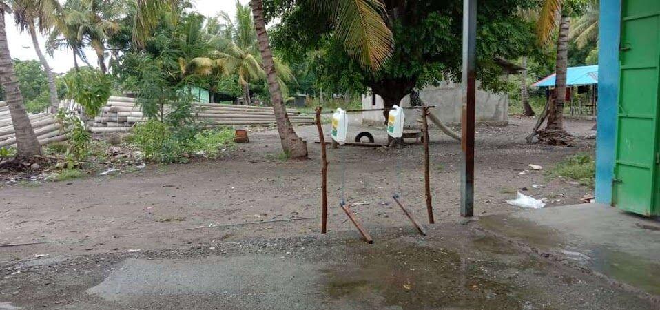 村人が作った簡易手洗い場