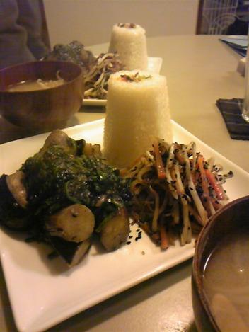 茄子とほうれん草の味噌炒め