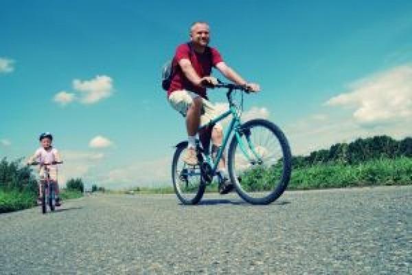 family-bike-trip_21068543kazoku