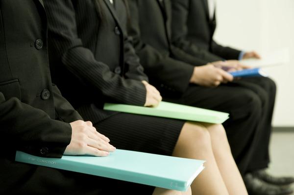 就職内定率は6年ぶりの水準に! 企業法務で雇用拡大は可能か?