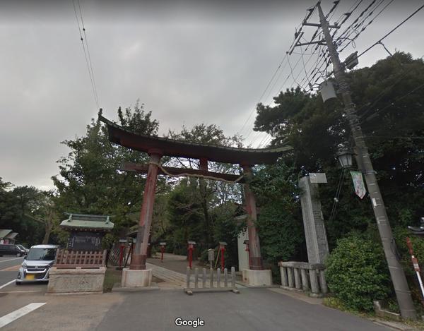 らき☆すた「鷲宮神社」の現在がヤバイ!鳥居が崩壊!店は閉店