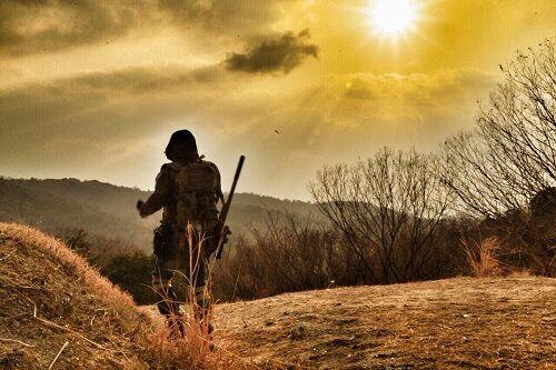老人「文明が崩壊した地球(ほし)で……ワシはひたすら旅を続ける」