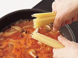 【悲報】スパゲティを半分に折るシーンにイタリアン人激怒wwwwwwwwwwwwwwwwww