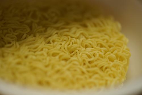 ノンフライの細麺ね