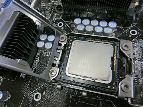Core i7 965 Extreme Edition(3.2GHz)!!