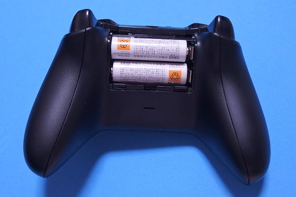 XONE_単三電池2本