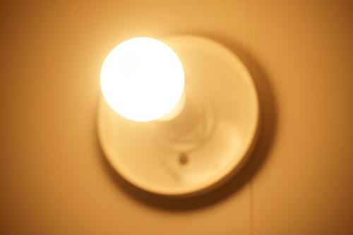 白熱電球(60W相当,54W,電球色)