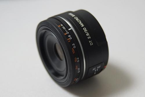 DT 30mm F2.8 Macro SAM (SAL30M28)
