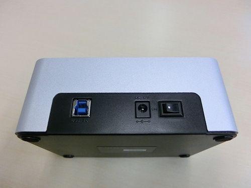背面(USB3.0、電源、電源スイッチ)