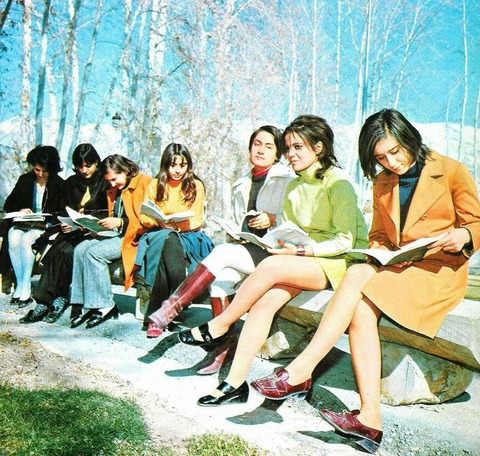 8abb336ee97981af3f323b7350ec3e0b--iranian-women-women-in-iran