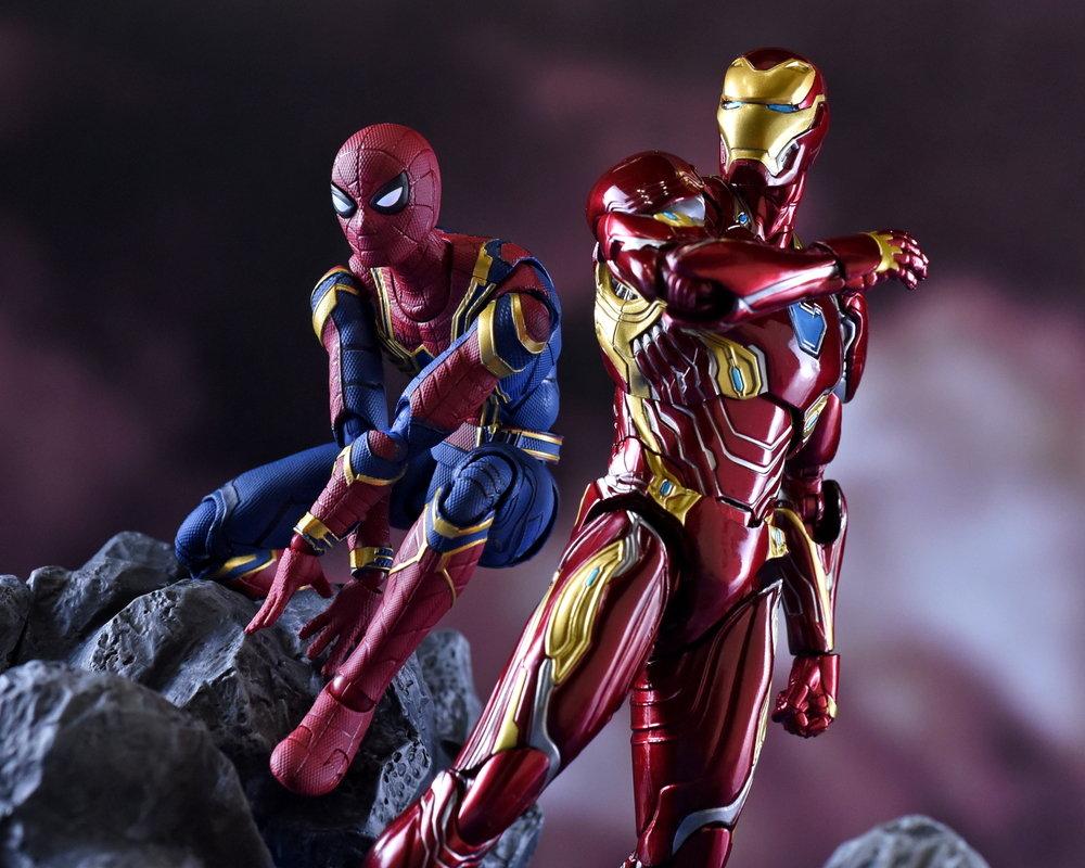 全てのヒーローを巻き込んで、クライマックスへと突入するターニングポイントが再現できる「S.H.Figuarts アイアンマン マーク50」「サノス」が