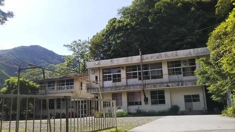 3-2-6  昭和40年代に建設された鉄筋コンクリート二階建て