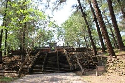 フエ トゥドゥック帝廟 (4)