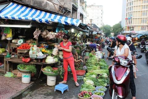 ベンタイン市場周辺 ホーチミン ©アジアしあわせ特急