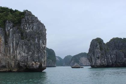 ハロン湾クルーズ ベトナム 奇岩