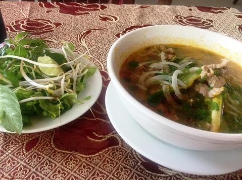ブンボーフエ フエ料理 ベトナム ©アジアしあわせ特急