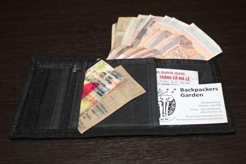 現地通貨用の財布