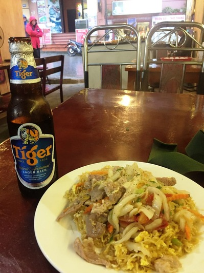 サパの夕食とビール