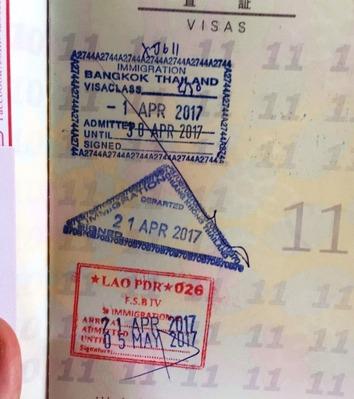 タイ入国出国とラオス入国のパスポート