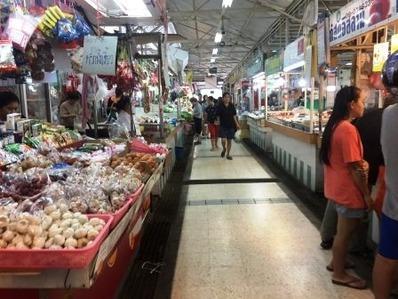 すいかハウス周辺の市場 (2)