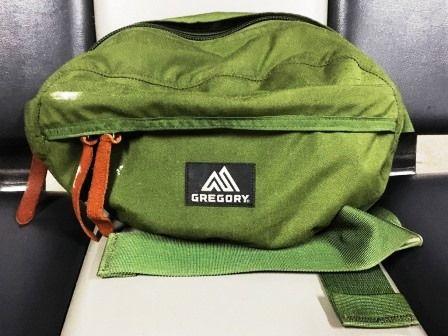 旅の荷物 持ち物 ウエストバッグ ©アジアしあわせ特急