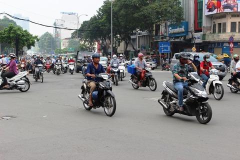 ホーチミン バイク 多い ©アジアしあわせ特急