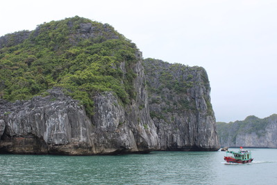 ベトナム ハロン湾 クルーズ 奇岩