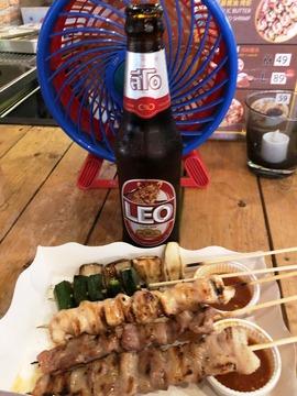 0817 タイビール LEO タラート・ロットファイ・ラチャダー (1)
