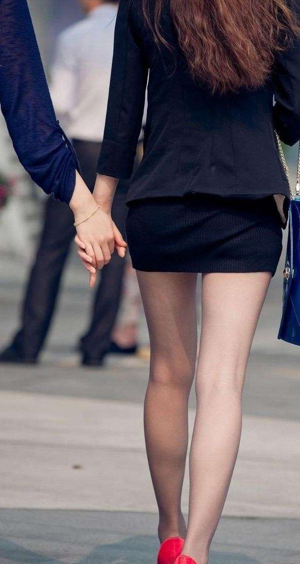 ニット系のタイトスカート (4)