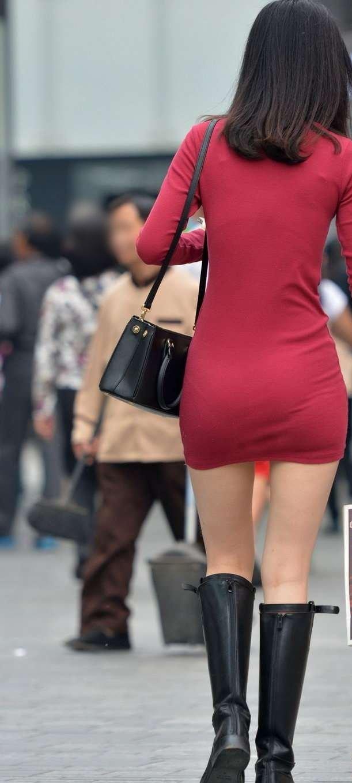 (ヌける街撮りえろ写真)ミニスカワンピとブーツのえろコラボが素敵過ぎる美足モデルの街撮りえろ写真☆☆☆☆☆