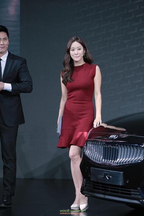 韓国の人気巨乳女子アナウンサー (1)