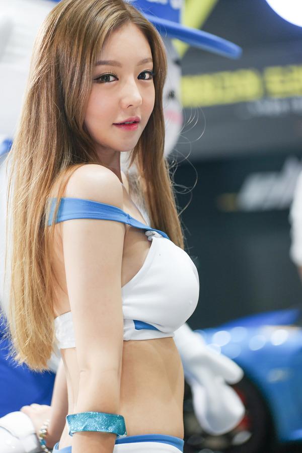 韓国の巨乳激エロコンパニオン (42)
