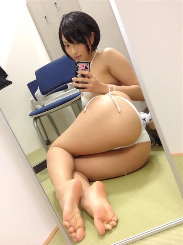 倉持由香のエロ尻自撮り写メ (27)