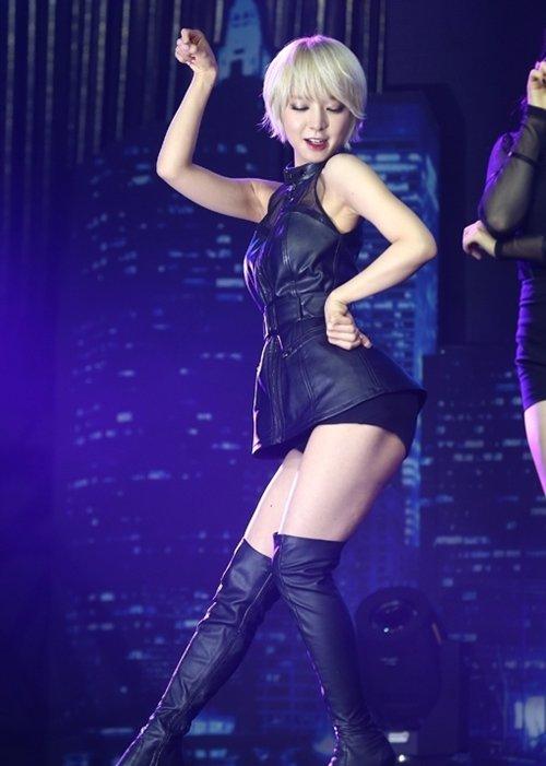 AOA チョアのセクシーダンス画像023
