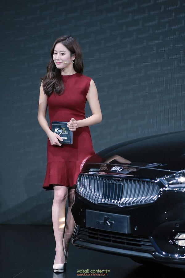 韓国の人気巨乳女子アナウンサー (10)