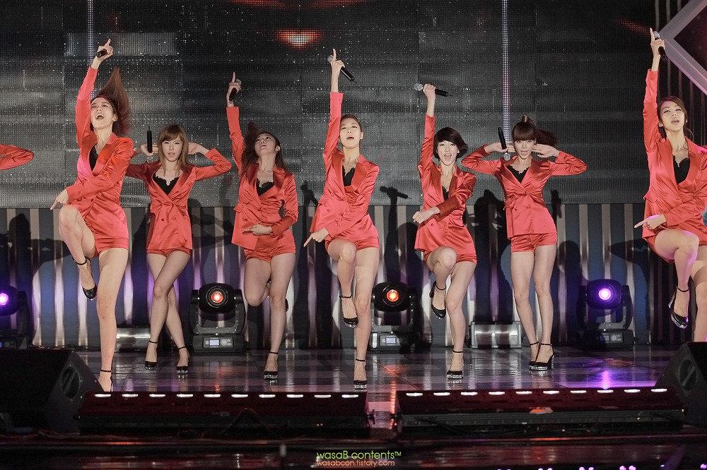 (K-POP色っぽいユニット)マジでヌける☆☆10代小娘時代バリのえろ生足9musesのえろえろ写真☆☆☆☆☆